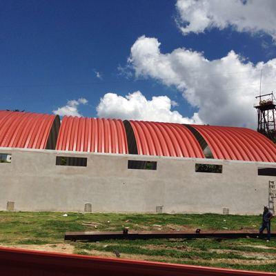 Construcción de bodega industrial.