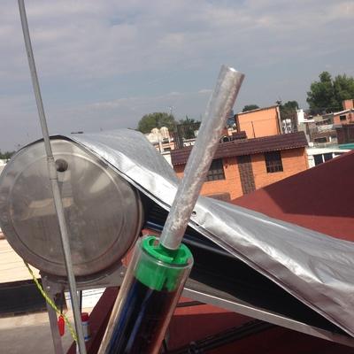 Mantenimiento a calentador sol en oriente de CDMX