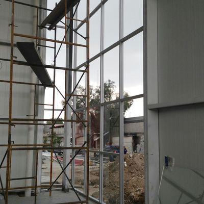 Cancelería y ventanales de aluminio