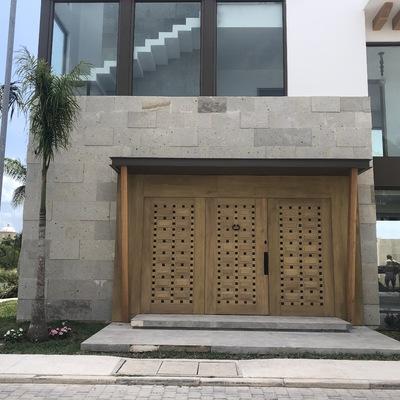 Entrada casa terminado en Laguna Puerto Cancun