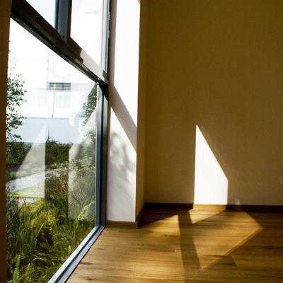 Habitación con luz natural