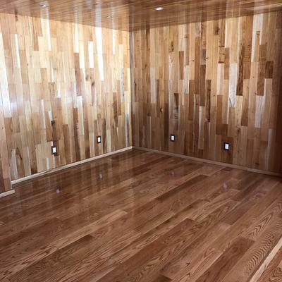 Aplicación de lambrines y pisos de madera