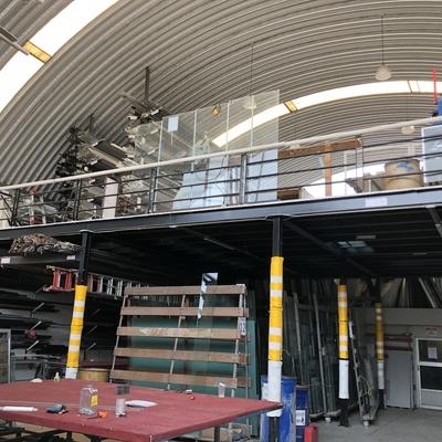 Área de producción de aluminio y vidrio