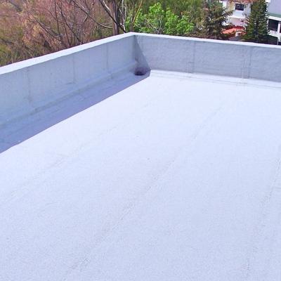 Sistema prefabricado acabo gravilla color blanco fresco.