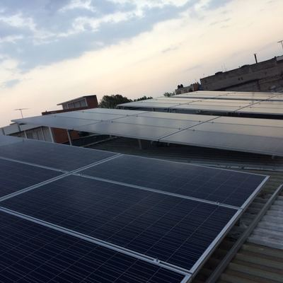 Instalación de paneles solares en empresa (SFV)