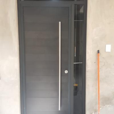 puerta recidencial