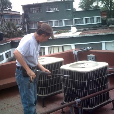 Limpieza de condensadora