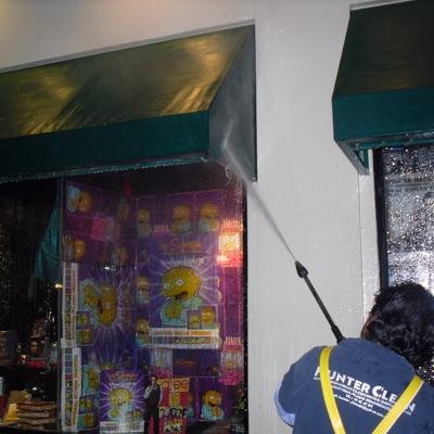 LIMPIEZA PRFUNDA DE FACHADAS Y TOLDOS