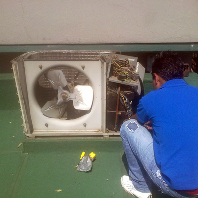 mantenimiento a condensadora de equipo mini split