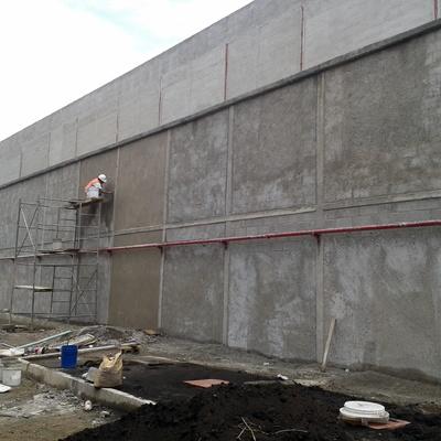Obra civil, bardas perimetrales, muros, aplanados.