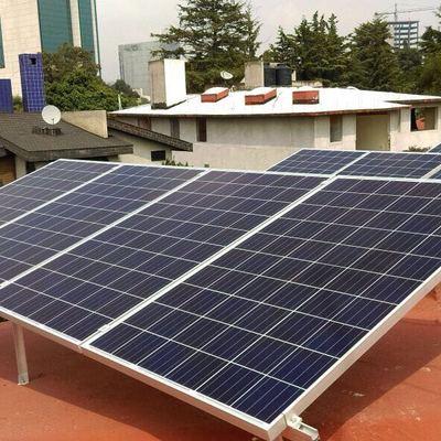 Paneles solares en Pedregal
