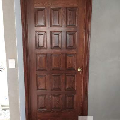 Puerta en madera  18 tableros