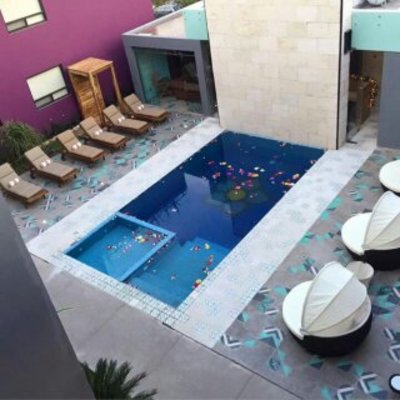 PISCINA HOTEL LA MORADA