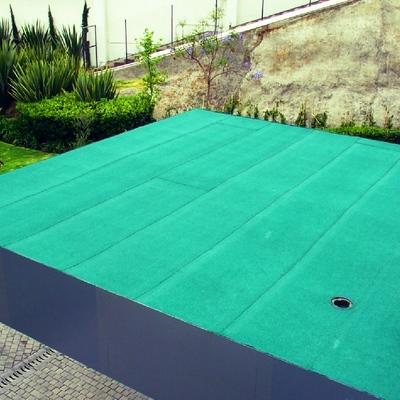 Sistema prefabricado acabo gravilla color verde ecológico.