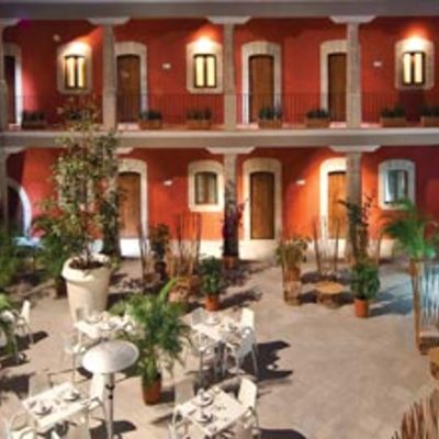 PROYECTO Y CONSTRUCCION PATIO INTERIOR HOTEL CORTES