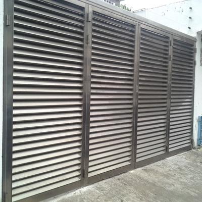 Puerta de garage plegable