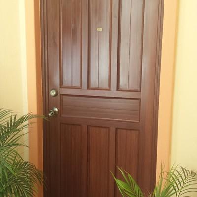 Puerta entablerada