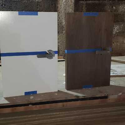 Diseño y construcción de Puerta de madera de pino tipo tambor