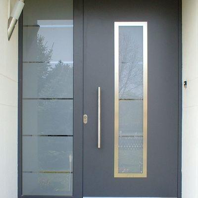 puerta de herreria y cristal esmerilado