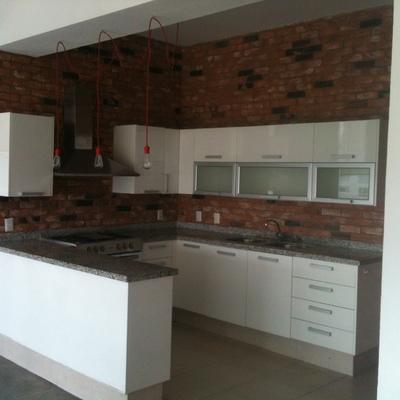 Cotizaci n proyecto y remodelaci n integral cocina online for Cocinas de concreto forradas de azulejo