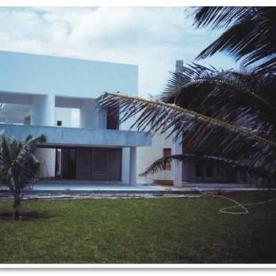 Construcción de casa en playa
