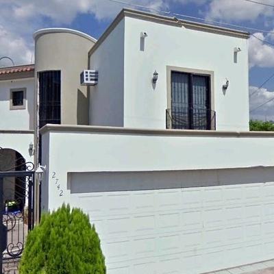 Residencia Villas del Río