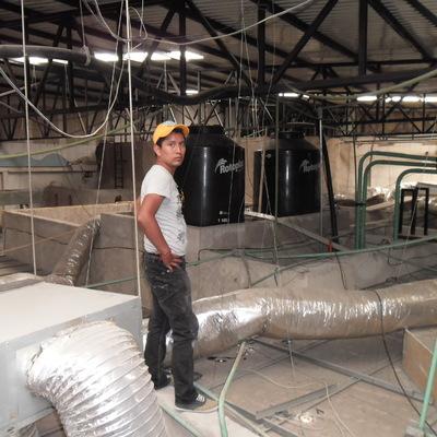 Mantenimiento a equipos de aire acondicionado