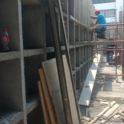 Nichos de concreto en panteón San Juan Tlihuacan