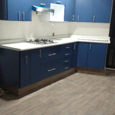 Cocinas integrales color azul acero
