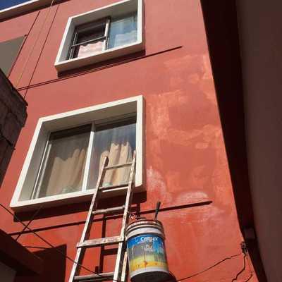 Pintura en muros de edificio