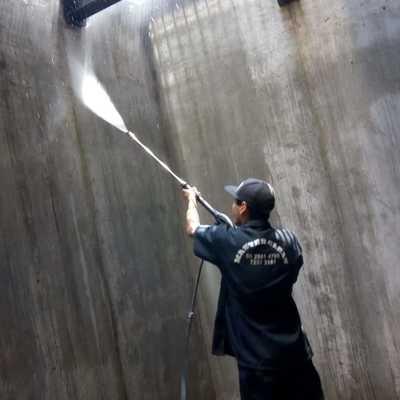 Lavado de estacionamientos  con hidro-lavadora de alta presión