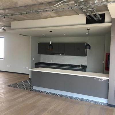 Diseño de cocineta al alto para oficinas