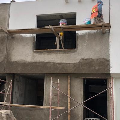 Aplanado en fachadas
