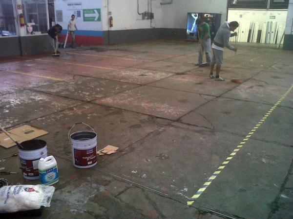 Foto aplicaci n de piso industrial epoxico de insorec 20968 habitissimo - Aplicaciones para buscar piso ...