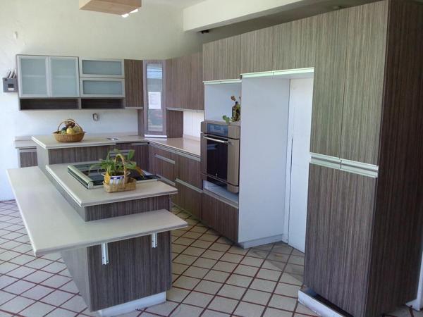Foto cocina modelo escocia de f brica de cocinas s a de for Modelos de gabinetes de cocina en concreto