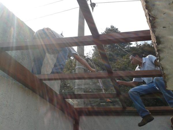 Foto: Domo de Madera Recubierto con Vidrio Templado de 6mm de ...