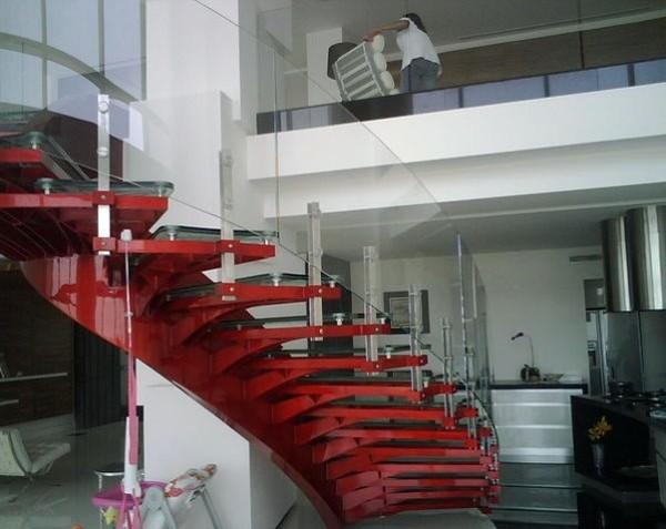 Foto escaleras con barandal en cristal templado de for Cristal templado queretaro