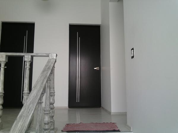 Foto puertas recamara de la casa de mantenimiento 197060 for Puertas para recamaras baratas
