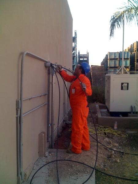 Foto instalacion electrica de construcciones for Instalacion electrica jardin