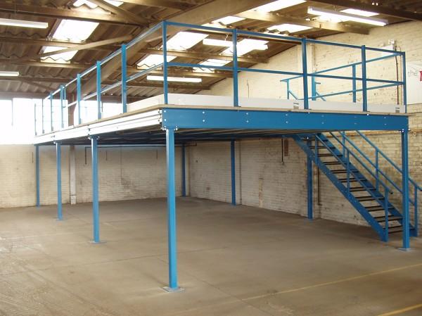 Foto mezzanine bodega industrial de comercializadora de acero gwe 44413 habitissimo - Mezzanine foto ...