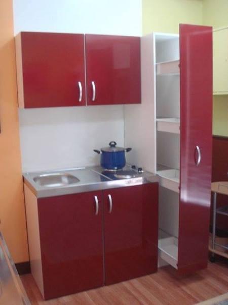 Foto peque a cocina urbana de bionic xtylie w g 61610 for Cocinas en espacios reducidos