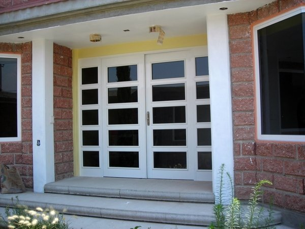 Foto puertas en aluminio de coprocon plus s a de c v for Puertas en aluminio