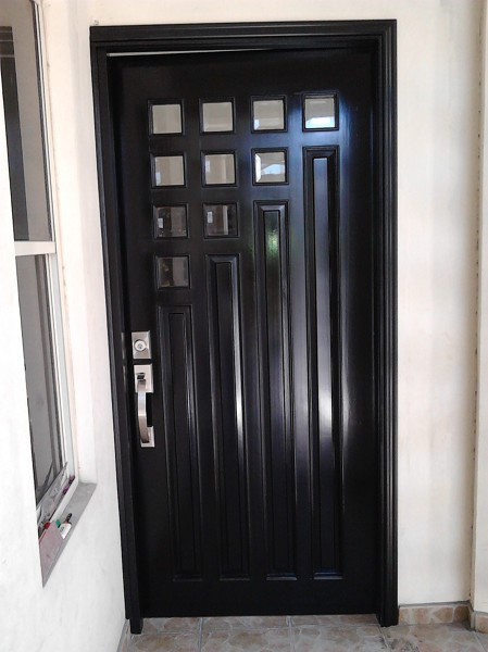 Foto puertas principales de carpinteria hinojosa 67978 for Cuanto cuesta un closet de madera en mexico
