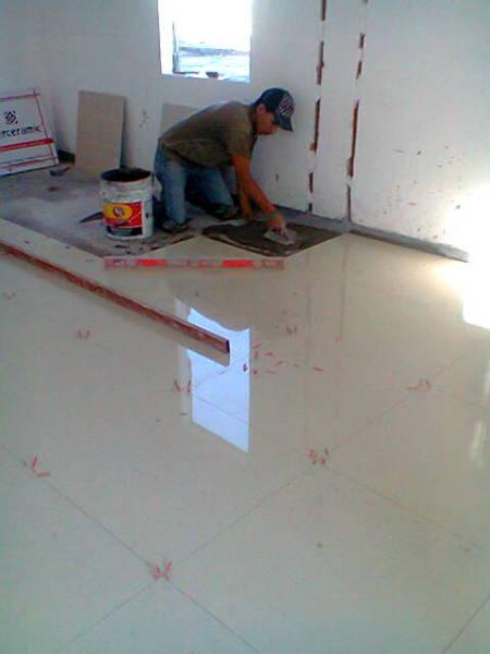 Foto vitropiso de edelfra edificaciones electricas 32585 for Vitropiso para interiores