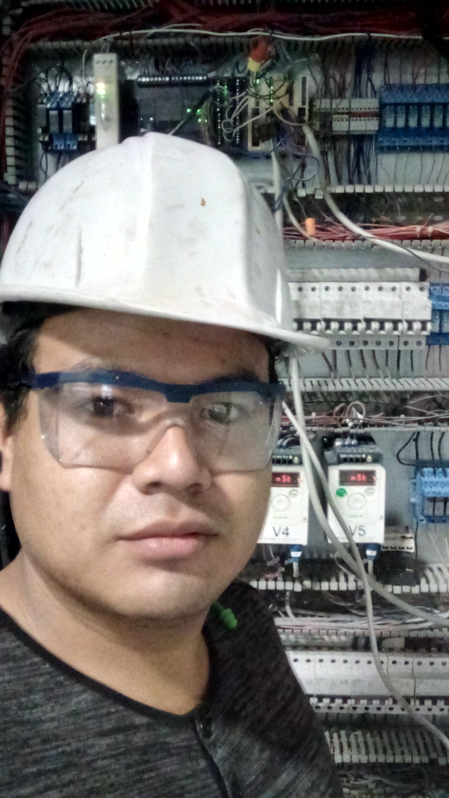"""Servicios Electricos Y Electronica"""" Silver"""""""