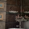 Mi baño no tiene purta, la necesito de tambor para ingresar al area de lavabo, sanitario y regadera,  2m por 1m aprox