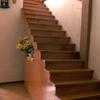 Escalera volada 15 escalones de madera.