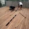 Instalar el deck alrededor de una alberca  de 30 mts de decks sintético.