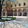 Aplanar fachada y pintarlaen el interior hacer limpieza a fondo super limpiar patio y cortar maleza
