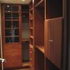 Colocar mueble flotante de madera en baño